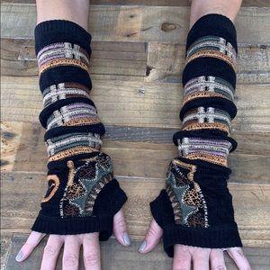 Johnny Was/Biya Embroidered Hand Warmers